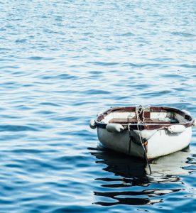 bote en el agua